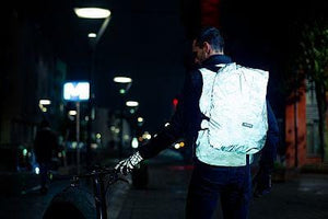 "WOWOW - BACKPACK / BAG COVER - FULLY REFLECTIVE & WATERPROOF: ""TITANIUM"""
