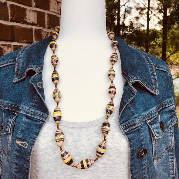 Gulu Handmade Single Strand Necklace with Chunky Paperbeads (Multi Color)