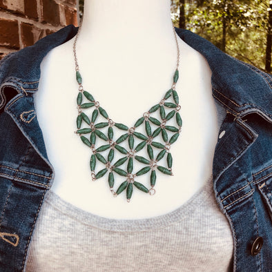 Grace Handmade Intricate Beaded Bib Design and Earrings Set (Green)