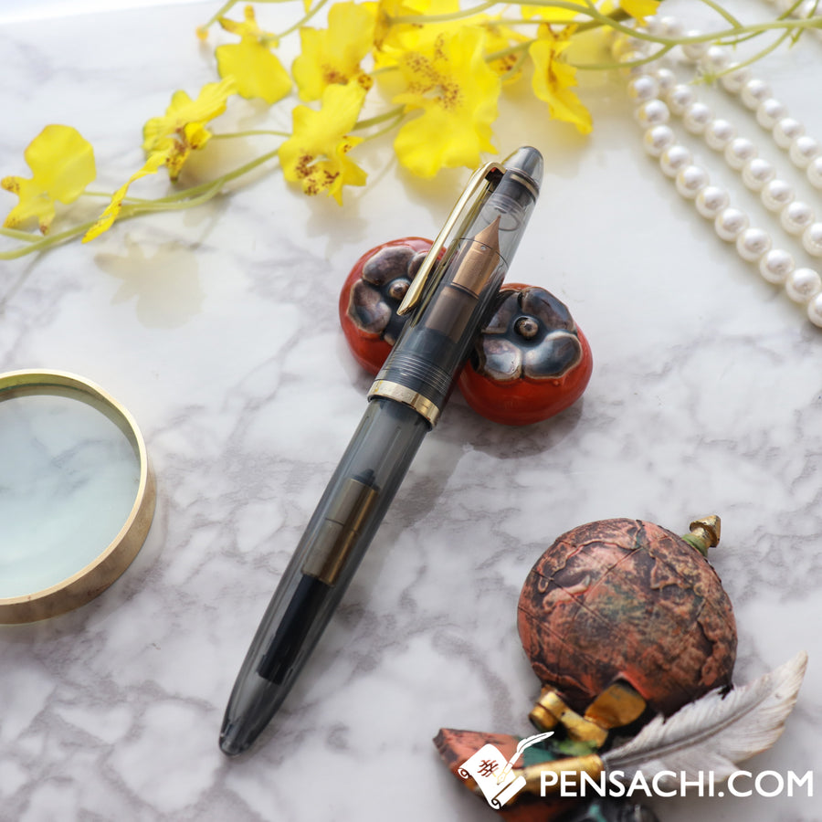 SAILOR 1911 Profit Junior Kurogane Demonstrator Fountain Pen - Transparent Grey - PenSachi Japanese Limited Fountain Pen