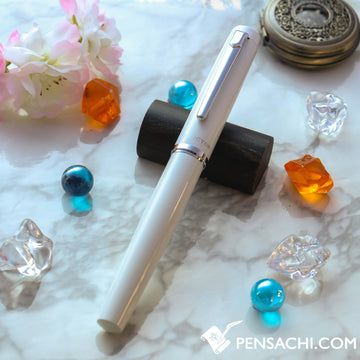 PLATINUM Procyon Fountain Pen - Porcelain White - PenSachi Japanese Limited Fountain Pen