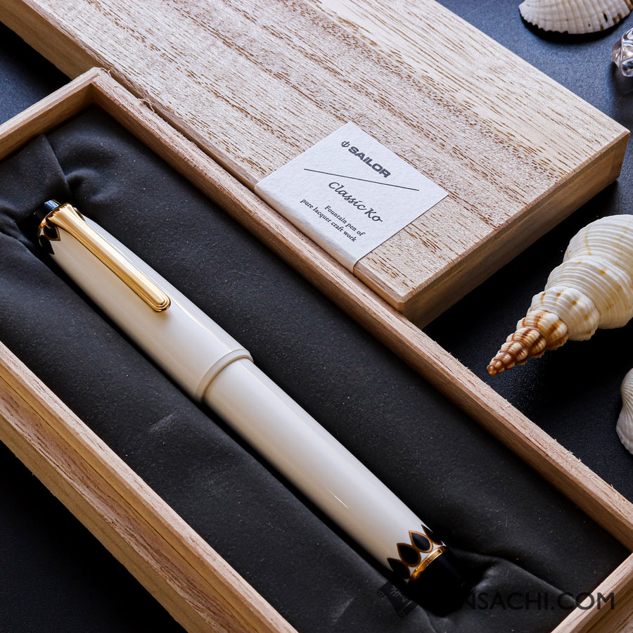 SAILOR Pro Gear Classic Ko Makie Fountain Pen - Dot's - PenSachi Japanese Limited Fountain Pen