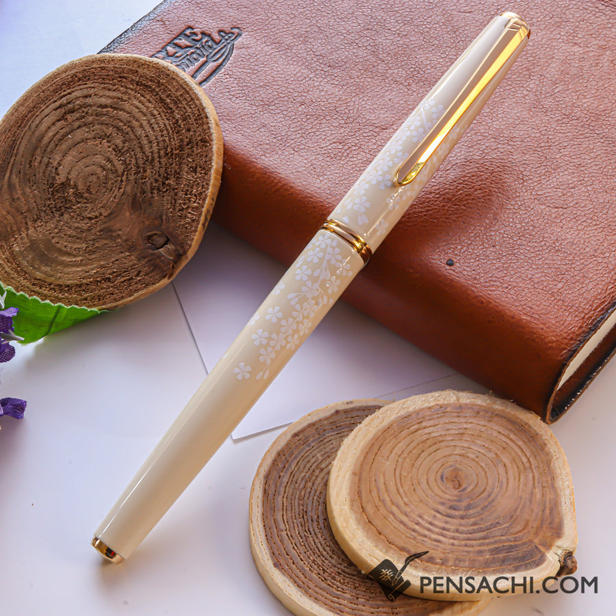 PILOT Lady White Fountain Pen - Sakura - PenSachi Japanese Limited Fountain Pen