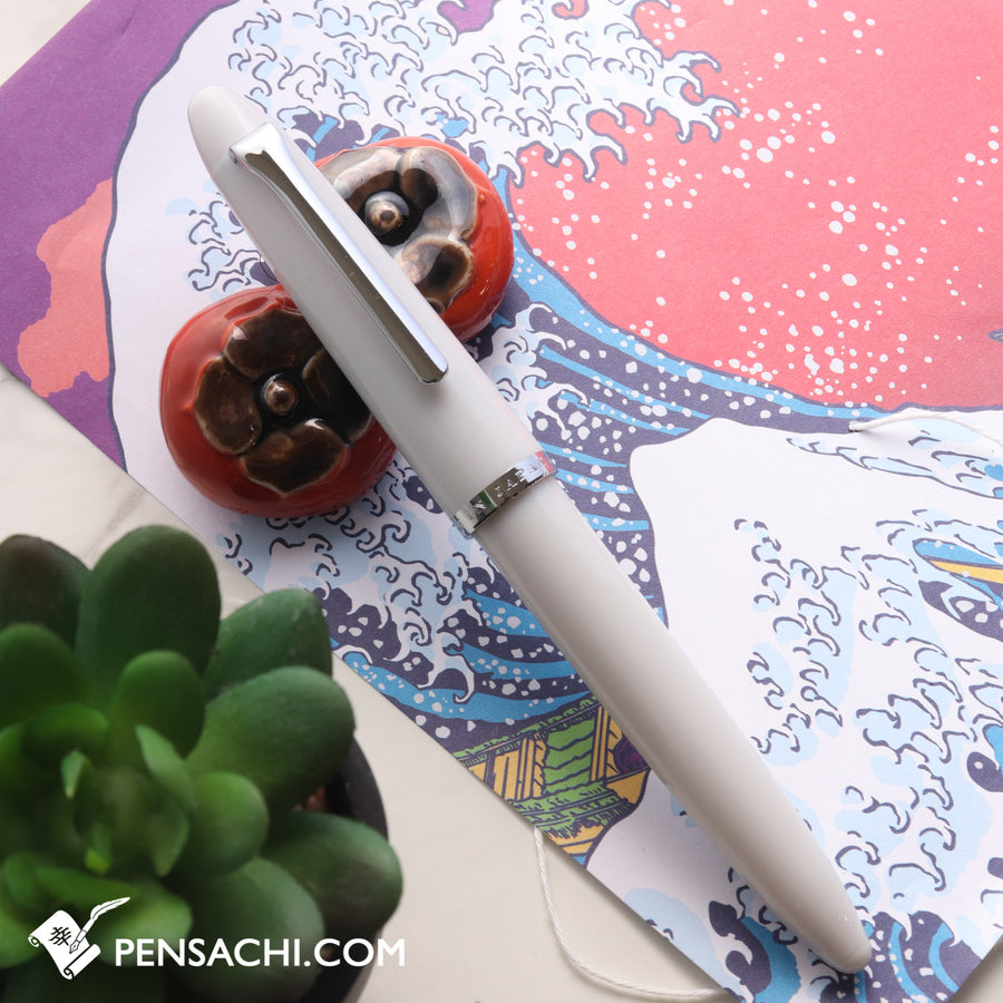 SAILOR 1911 Profit Junior Fountain Pen - Light Grey - PenSachi Japanese Limited Fountain Pen