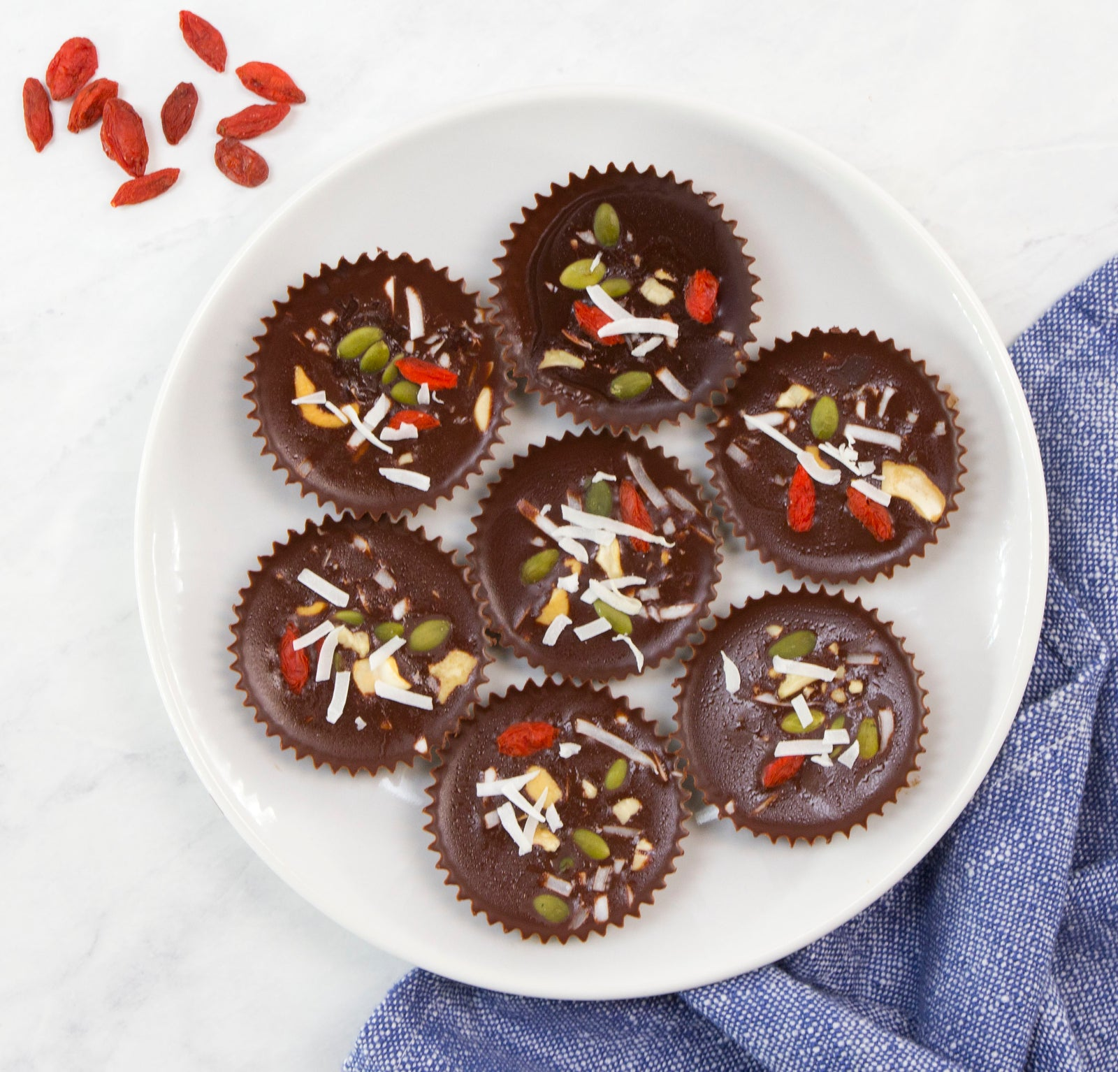 Paleo Superfood Chocolate Fudge Cups Article