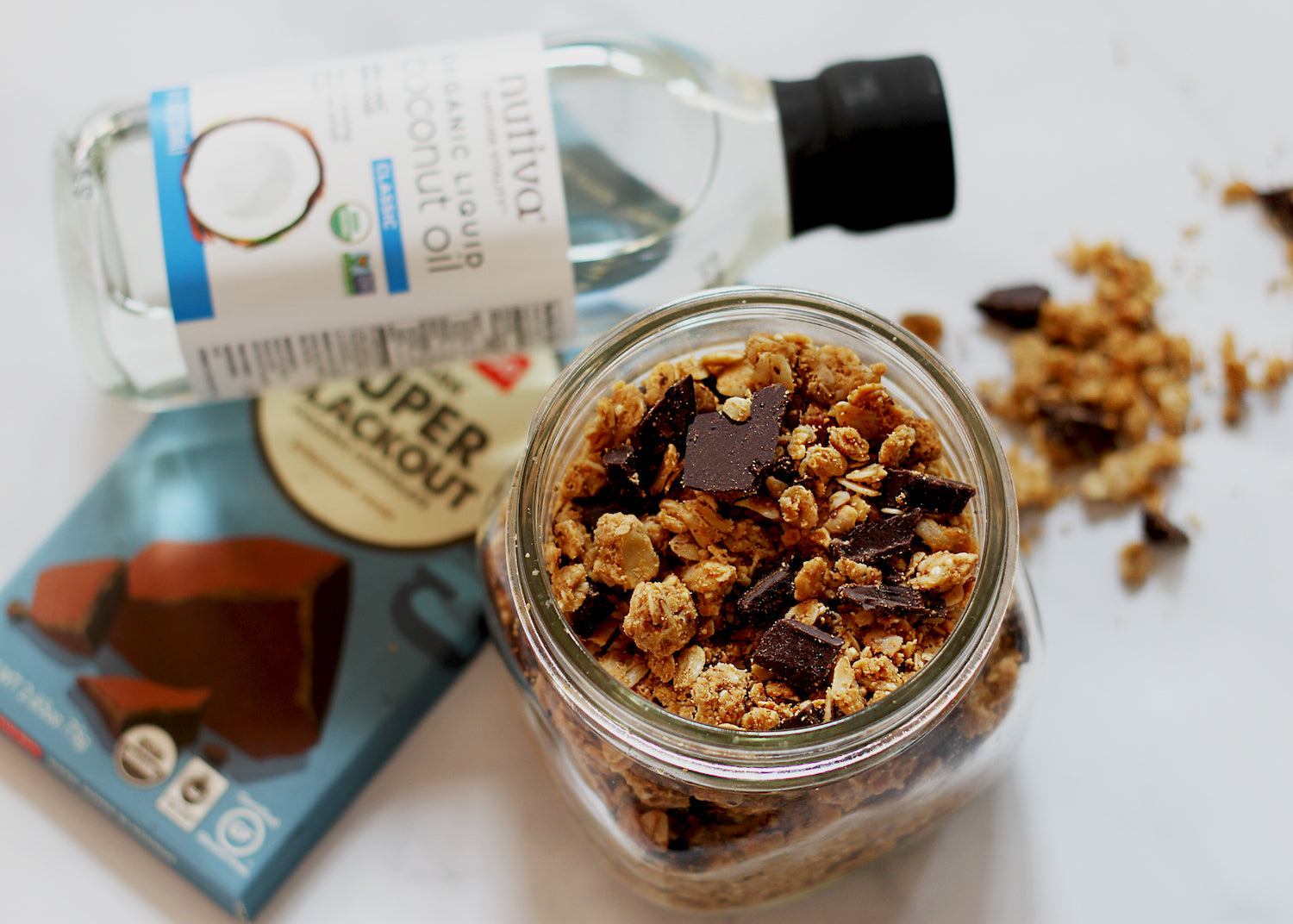 Dark Chocolate Peanut Butter Granola Article