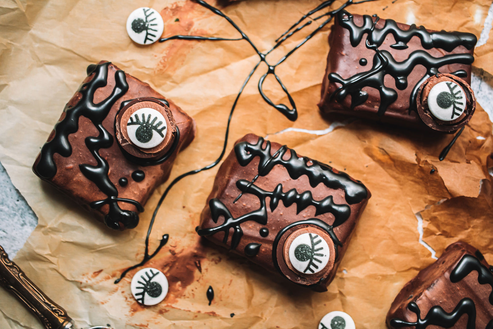 No Bake Hocus Pocus Spellbook Brownies Article