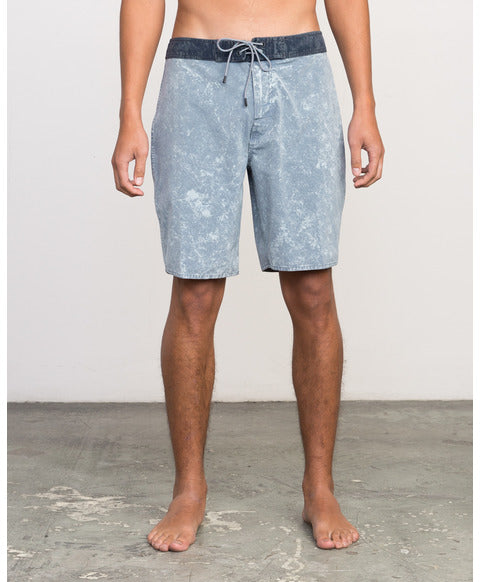 RVCA CRUSHED WASHED TRUNK