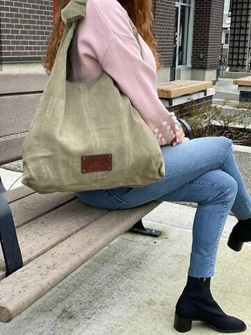 RISA BAGS KNOT TOTE OLIVE SUEDE