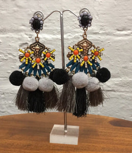 Black and grey statement earring