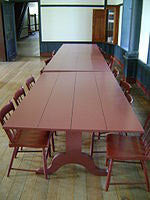 Shaker dining table.JPG