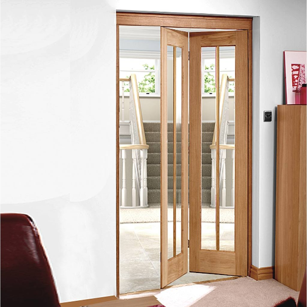 Worcester Oak Bifold Door - Clear Glass