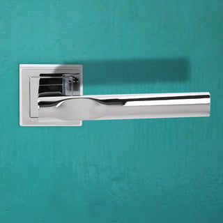 Image: Kansas Status Lever on Square Rose - Polished Chrome