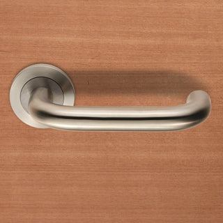 Image: Steelworx SWL1190 Nera Lever Latch Handles on Round Rose
