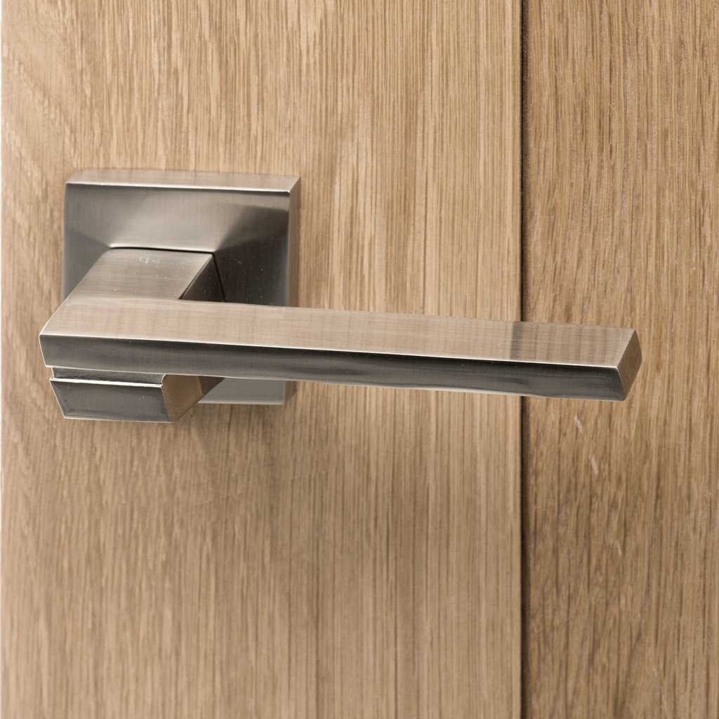 Senza Pari Giovanni Lever on Flush Rose - Satin Nickel