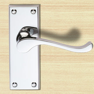 Image: Polished Brass: DL55 Victorian Scroll Lever Latch Handles