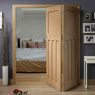 Image: Two Folding Doors & Frame Kit - DX 1930'S Oak Panel 2+0 - Prefinished