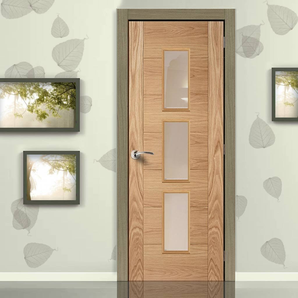 Door and Frame Kit, Hampshire 3 Pane Oak Flush Door - Clear Glass - Prefinished