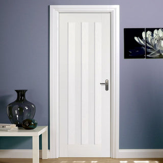 Image: White Fire Door, Idaho 3 Panel Door - 1/2 Hour Rated - White Primed