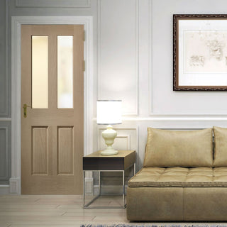 Image: Malton style oak veneer panelled interior door