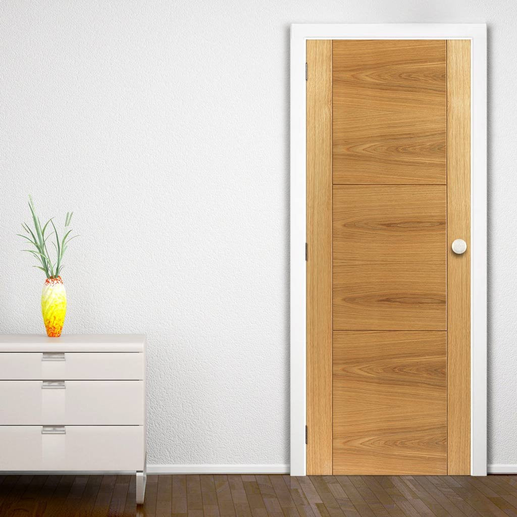 J B Kind Oak Contemporary Mistral Flush Door Decorative