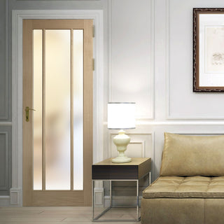 Image: Worcester oak veneer glazed interior door