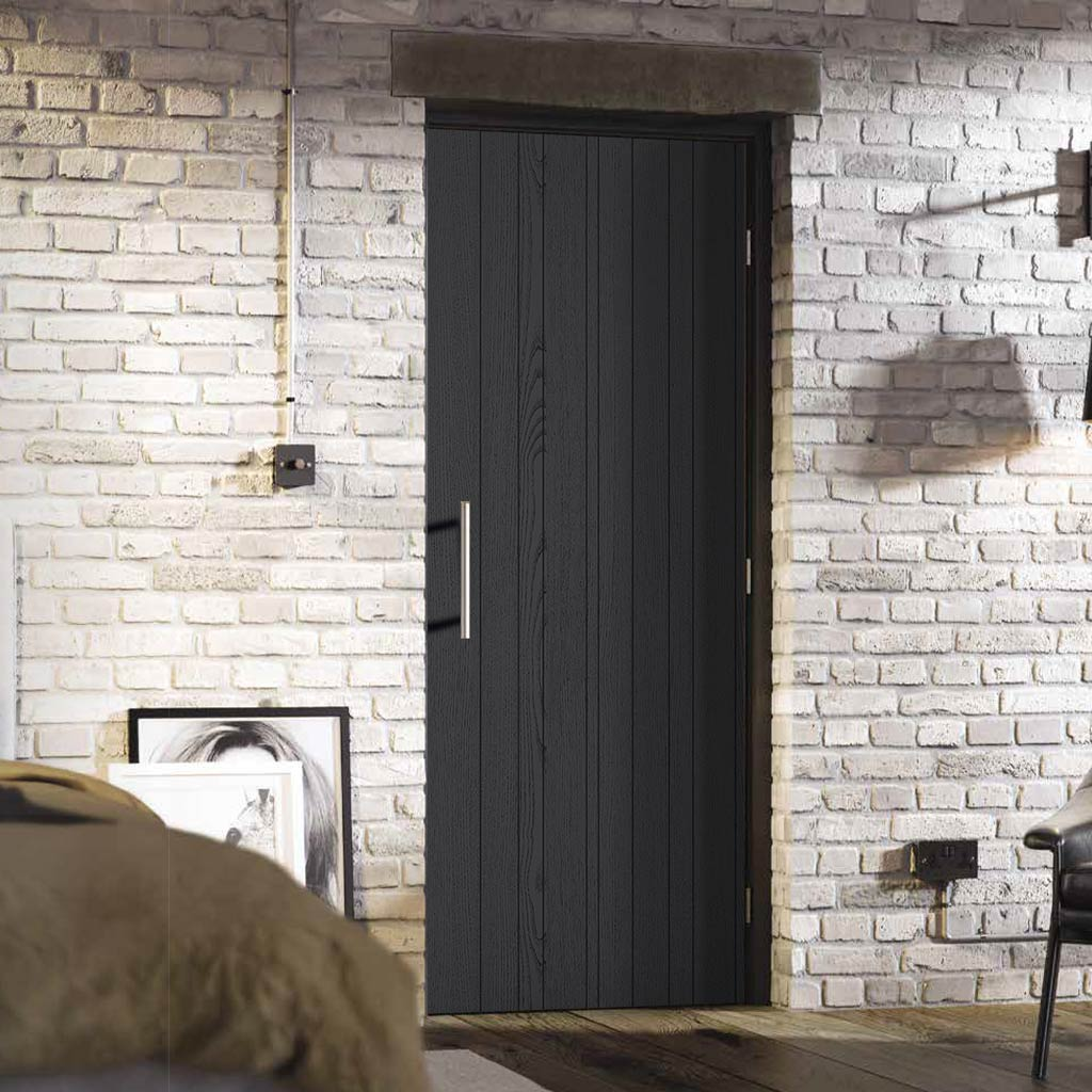 Laminate Montreal Black Door - Prefinished