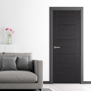 Image: Laminate Vancouver Black Door - Prefinished