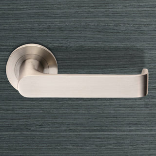 Image: Steelworx SWL1133 Zurigo Lever Latch Handles on Round Rose
