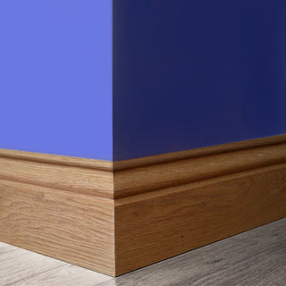Image: 146x18mm: Ogee Profile Oak Veneer Skirting on a Timber Core