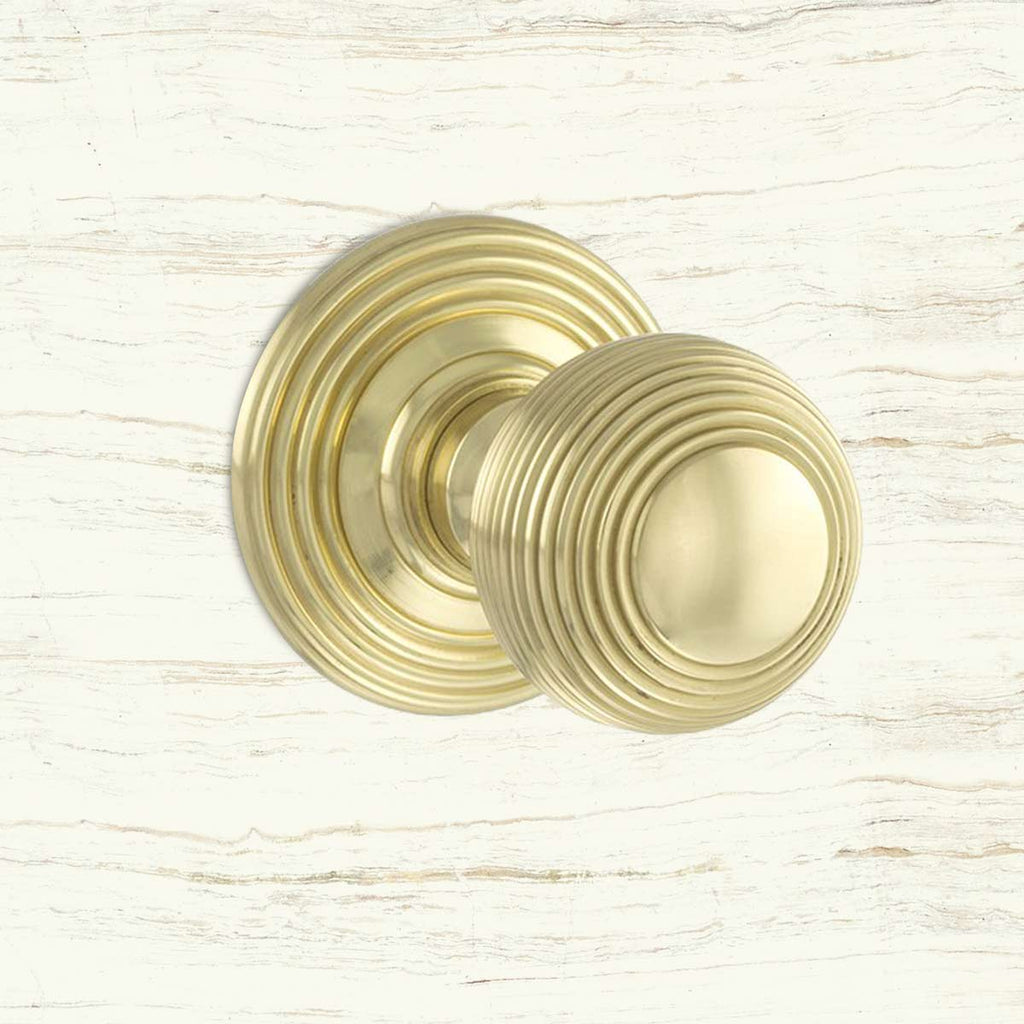 Ripon Reeded Old English Mortice Knob - Polished Brass