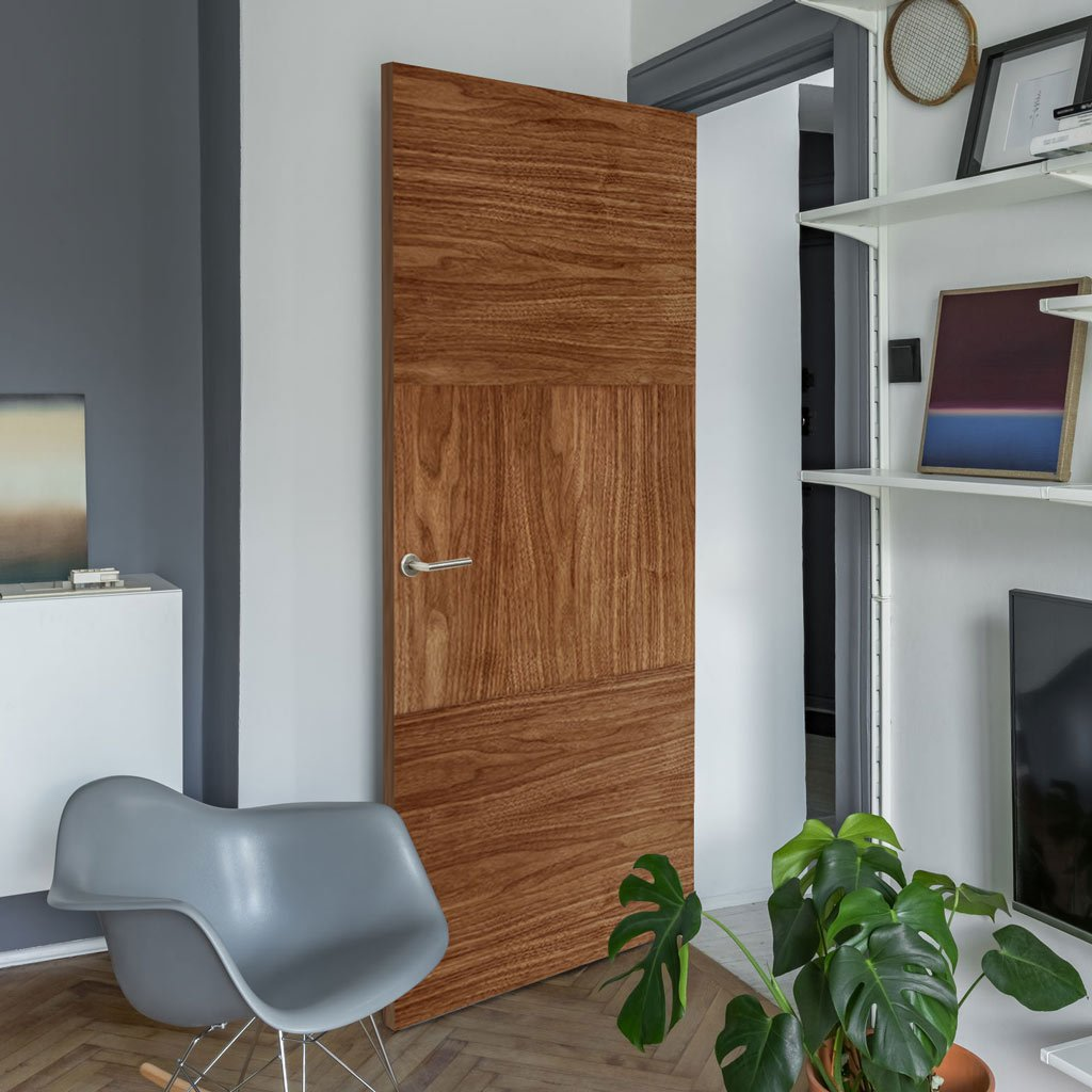 Bespoke Tres Walnut Flush Door - Prefinished
