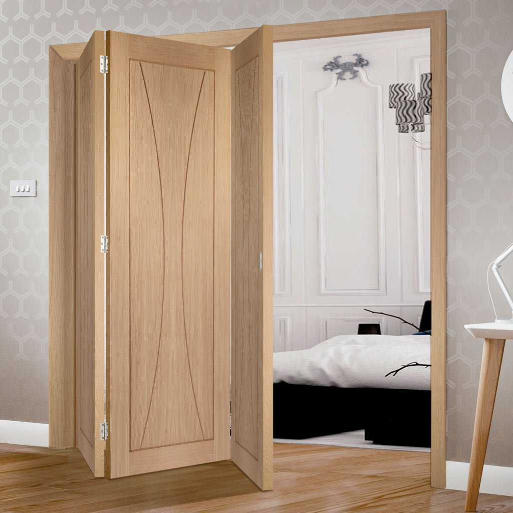 Three Folding Doors & Frame Kit - Verona Oak Flush 3+0 - Prefinished