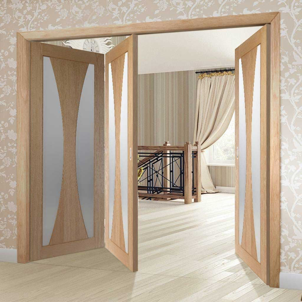 Bespoke Thrufold Verona Oak Glazed Folding 2+1 Door - Prefinished