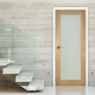 Image: Walden oak veneer interior shaker door with frosted safety glass