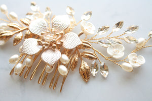 Rose Gold Flower With Rhinestone And Pearl Bridal Hair Comb