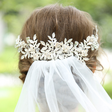 Load image into Gallery viewer, Floral Beaded Leaves Handmade Romantic Wedding Hair Comb
