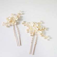 Load image into Gallery viewer, Ivory Flower Gold Hair Pin And Hair Vine Set