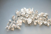 Load image into Gallery viewer, Antique Silver Leaves Rhinestone Handmade Wedding Hair Jewelry