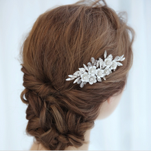 Load image into Gallery viewer, Silver Round Flower Rhinestone Bridal Hair Comb