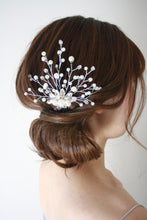Load image into Gallery viewer, Bridal Pearl Lover Comb
