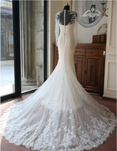 Load image into Gallery viewer, Elegant Long Sleeve Long Mermaid Bride Gown