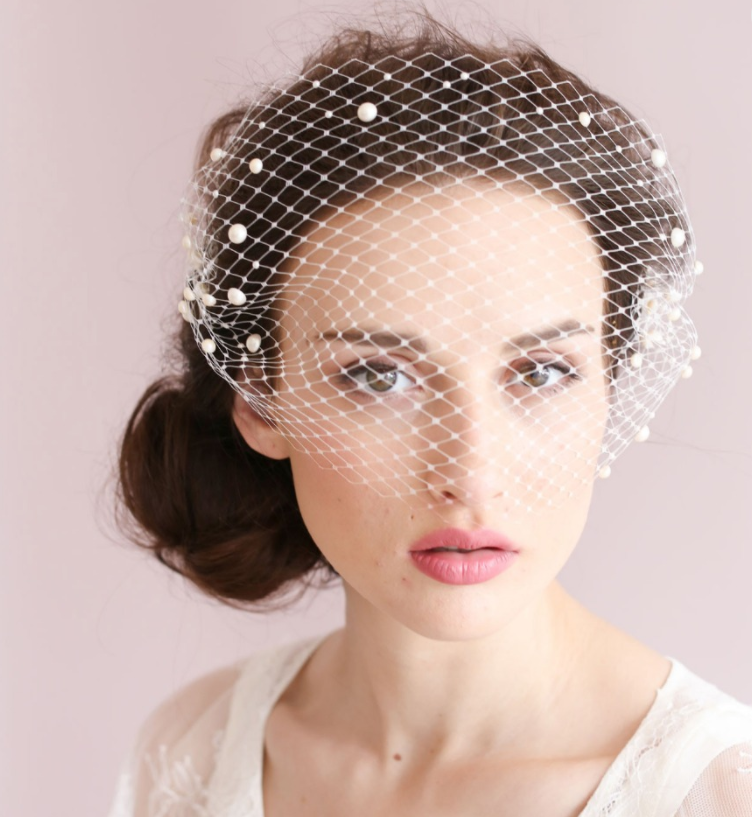 Short bridal vintage veil with pearl - BCW accessories