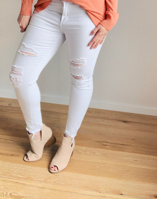 Willa White Distressed Midrise Jeans