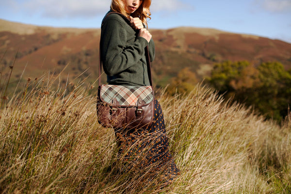 Game Bag in Weathered Colquhoun Tartan Tweed