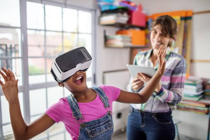 The Research on Augmented and Virtual Reality for the Classroom