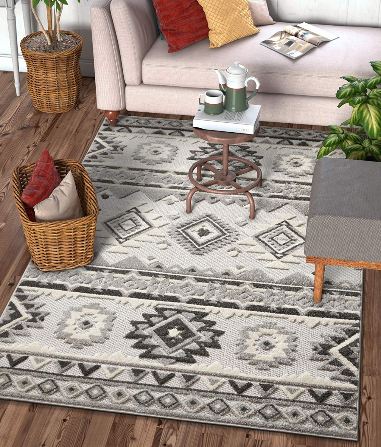 Picture of: Southwestern Style Gray White High Traffic Stain Resistant Indoor Outd Modern Rugs And Decor