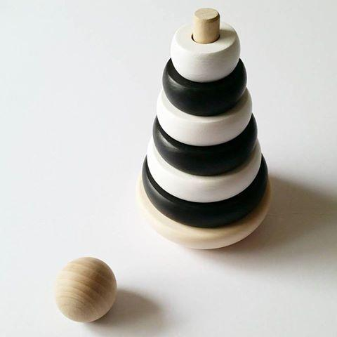 Wooden Ring Stacker - Monochrome Wooden Toys - Suzemu