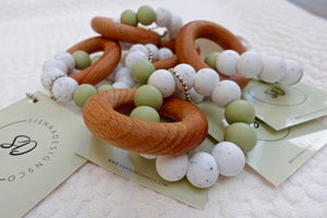 Green & Speckled Beech Wood Teether Teether - Suzemu