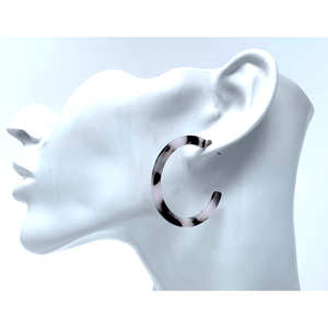 Black And White Marbled Resin Circle Hoop Fashion Earrings